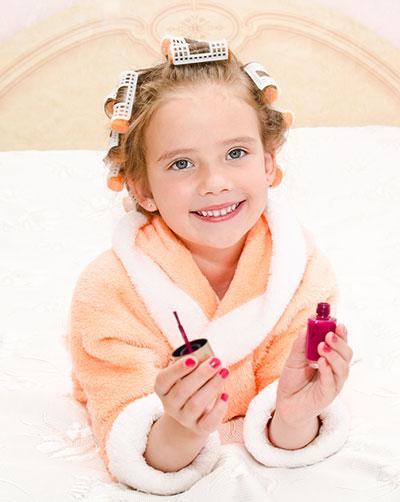 Как правильно делать маникюр детям, чтобы избежать проблем с ногтями во взрослом возрасте